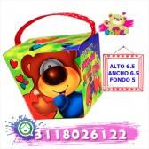 Caja en forma de cubo con chocolates